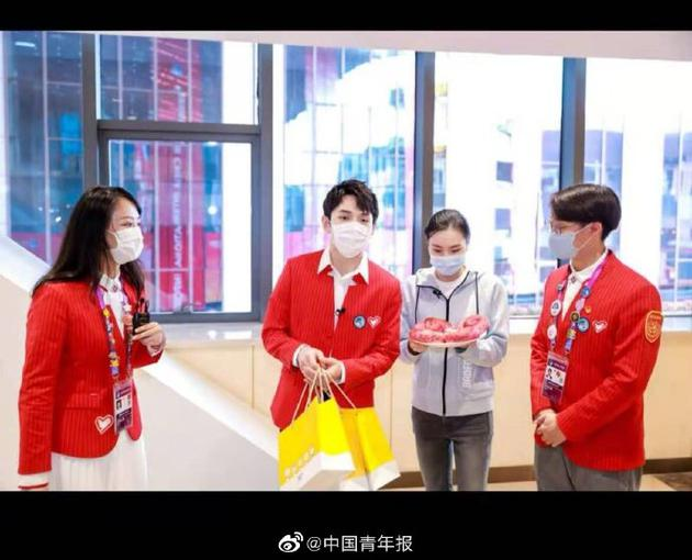李佳琦作为在线新经济青年代表成为上海青联委员