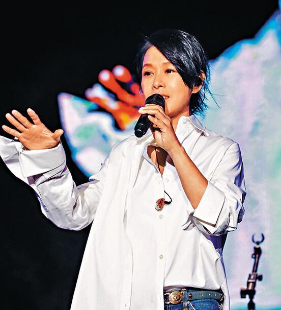刘若英改编歌词唱心声 上海演出压轴登场