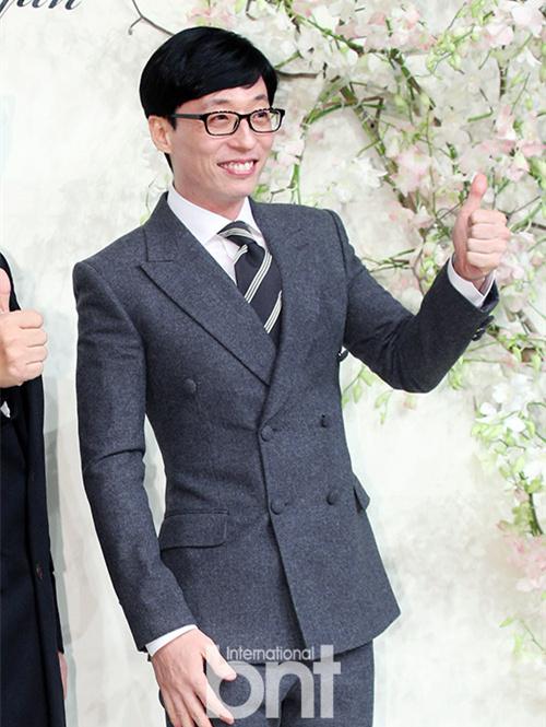 刘在石向500名女性青少年捐赠卫生巾 逆向思维补缺漏