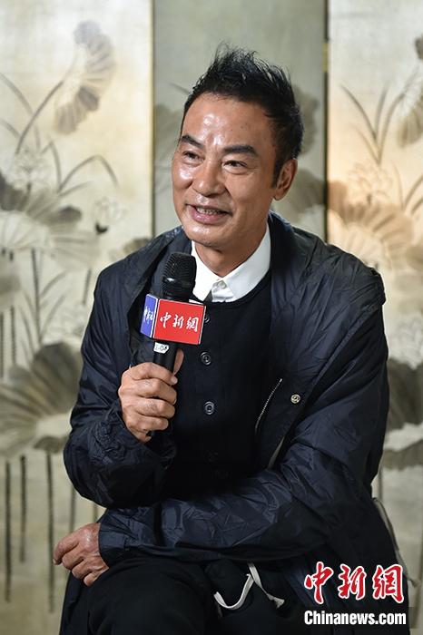 任达华接受中新网记者专访。中新网记者 李骏 摄