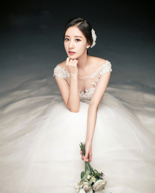 朴灿烈的亲姐姐朴宥拉结婚