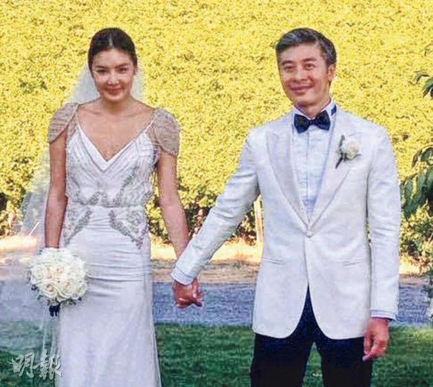乐基儿前年嫁Ian Chu,最近为对方诞下可爱的儿子。