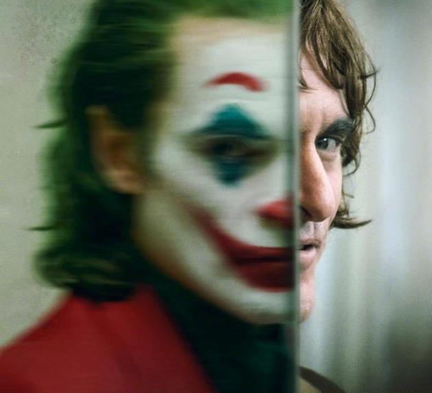 《小丑》的扮演者华金-菲尼克斯