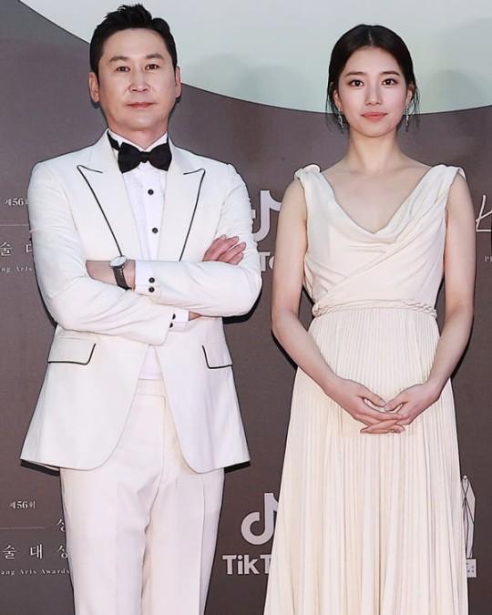 申东烨秀智将第五次携手主持百想艺术大赏颁奖典礼