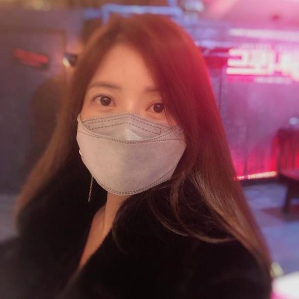 尹世雅叫行家记得戴口罩。