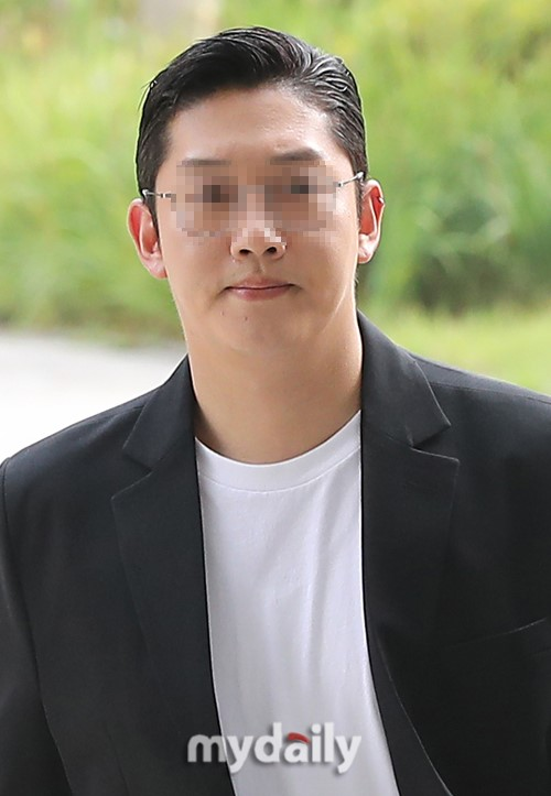 具荷拉前男友崔钟范