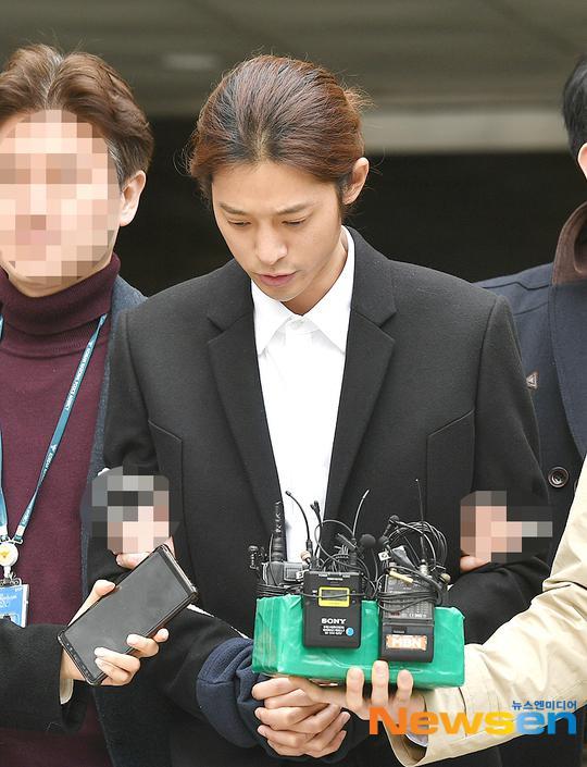 郑俊英偷拍案庭审结束 首尔法院正式发布拘捕令