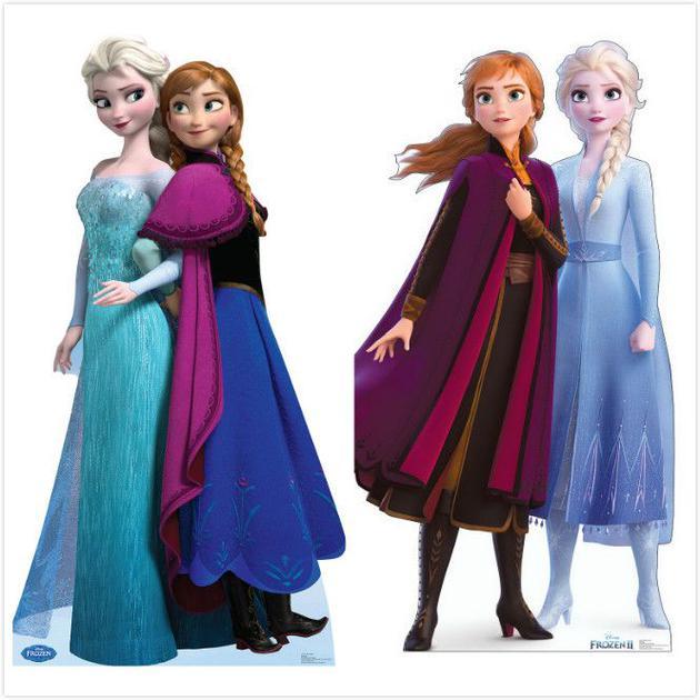 旁边别离为《冰雪奇缘》和《冰雪奇缘2》中的姐妹裙装
