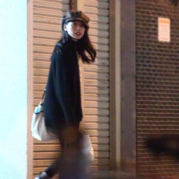 去年秋季户田惠梨香与合作《绯红》的松下洸平见面