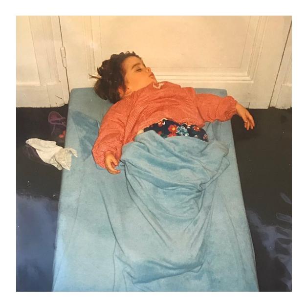艾玛沃森晒童年熟睡照