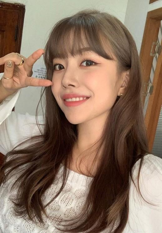 韩国女团Berry Good成员孤云宣布退出组合