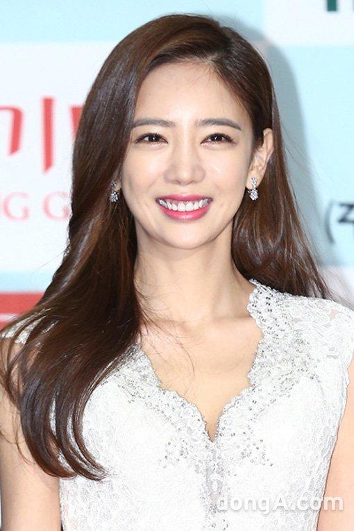 韩女星李泰林产下儿子 曾闪婚嫁富商后退出演艺圈