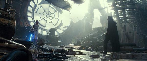 《星战9》剧照,陨落的物化星再次成为片中主要场景
