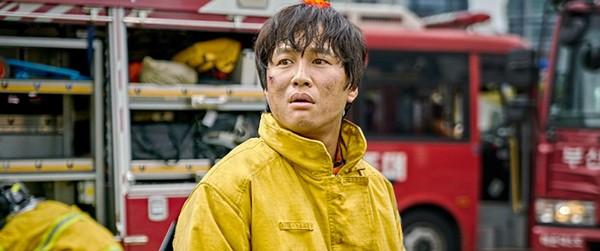 车太铉拍摄《与神同业》让演艺生涯生活再达人气顶峰。