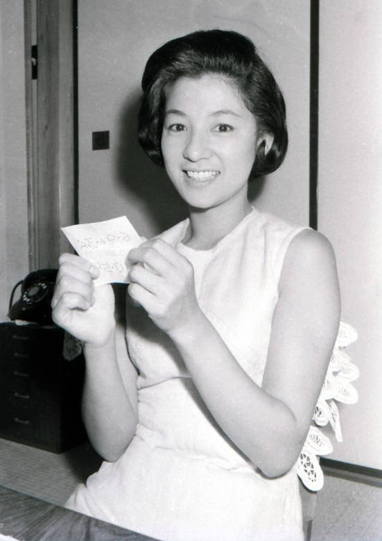 女演员青山京子因肺癌去世 享年84岁