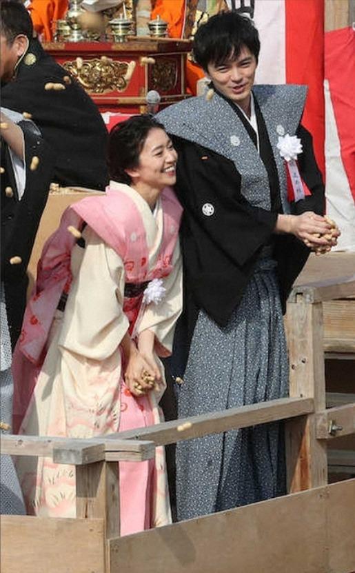 大岛优子和林遣都参加活动