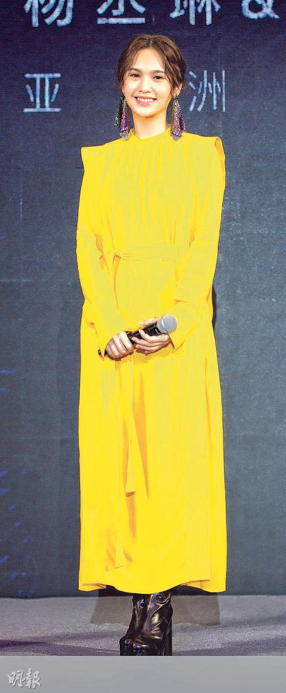 杨丞琳昨天(8月22日)在北京出席签约环球EMI记者会,并首次分享李荣浩跪地求婚的惊喜过程。