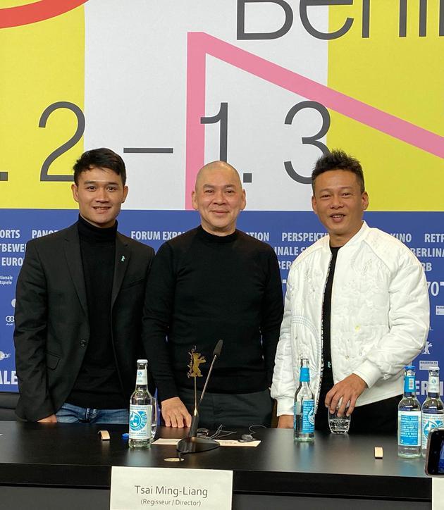 《日子》国际记者会,演员亚侬弘尚希(左起)、导演蔡明亮、演员李康生
