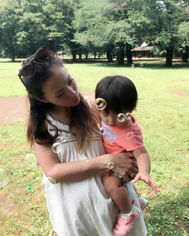 土屋安娜与女儿星波