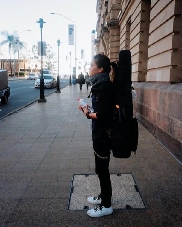 卢凯彤逝世两年 林二汶晒照写歌纪念故友