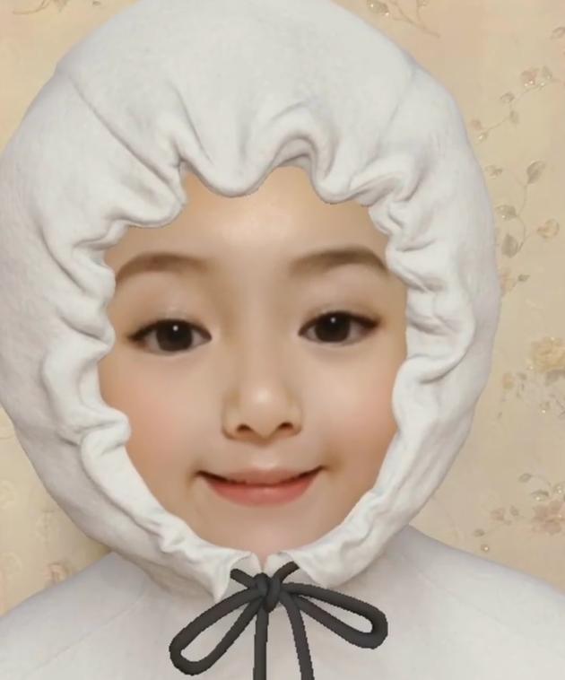 辣妈方媛发可爱营业视频 玩宝宝特效滤镜萌翻天
