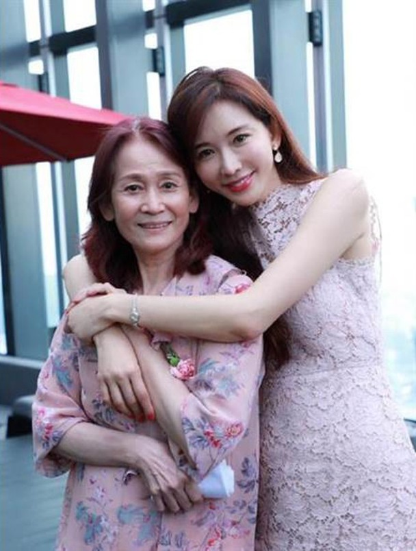 林志玲与妈妈
