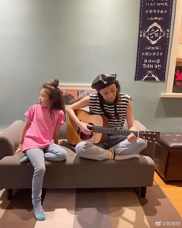 郑希怡和女儿有爱日常