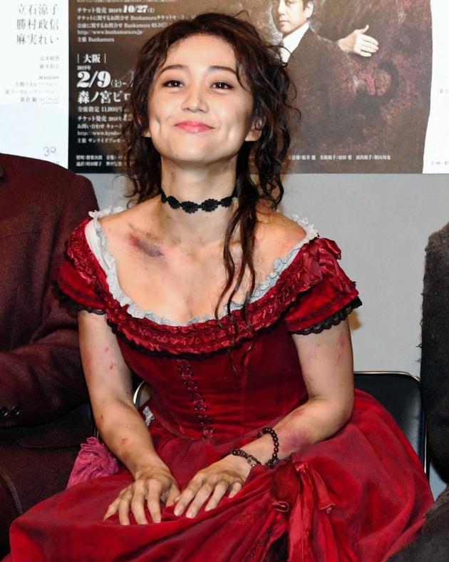 大島優子出席舞台劇《罪與罰》見面會