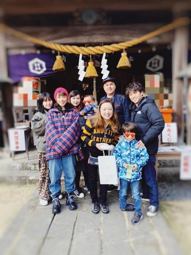 仲里依纱外交网站分享与家人相符影