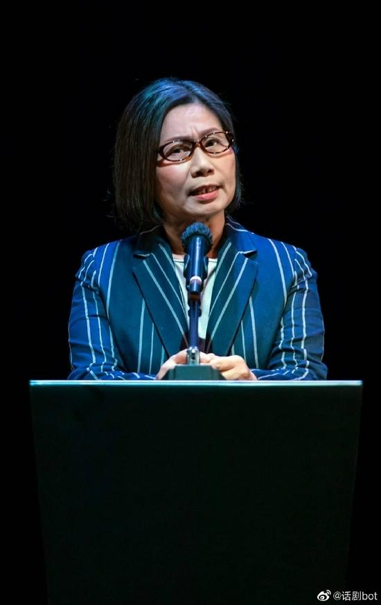 香港话剧演员雷思兰因肺癌去世 享年65岁