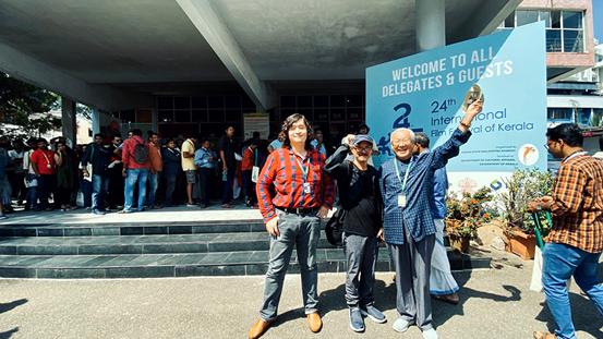 中国著名导演谢飞、摄影师傅靖生、导演邢新彦共同出席本届电影节