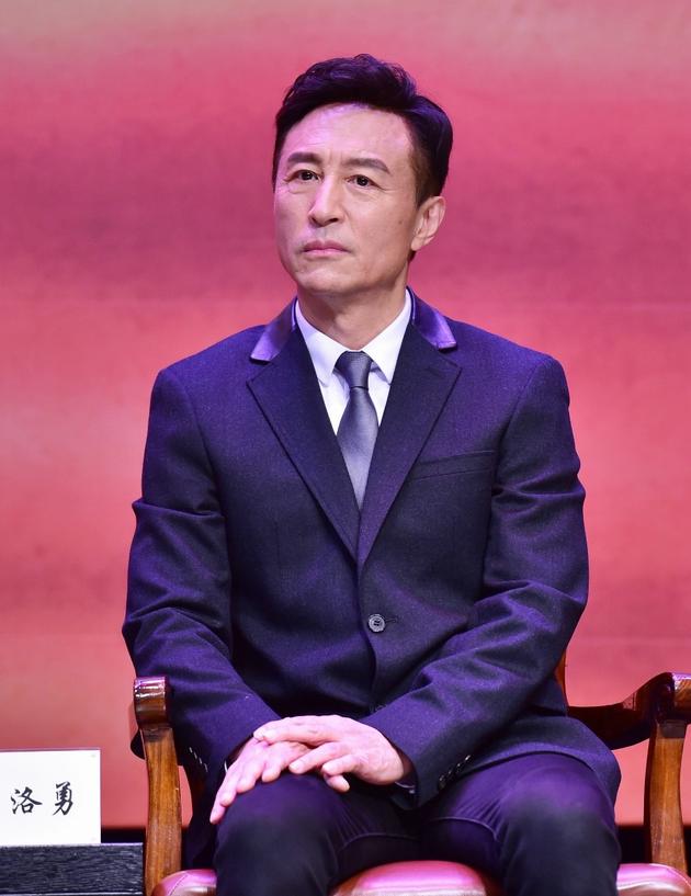 话剧《前哨》明年2月首演 王洛勇出演鲁迅