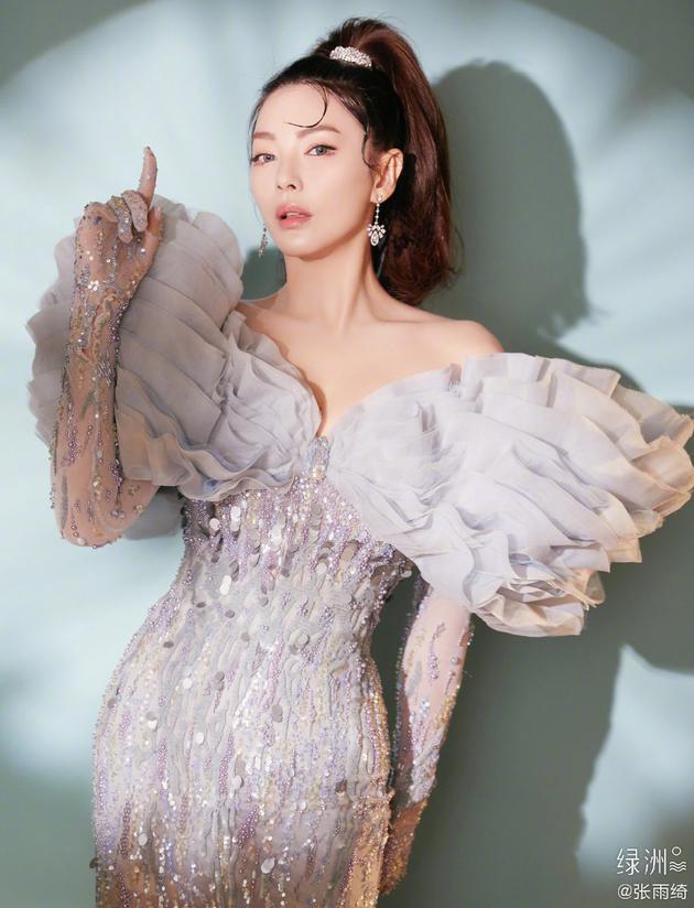 张雨绮:作为微博新晋顶流 感受到五味杂陈的心情