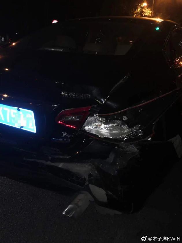 木子洋因私生跟车追尾受伤 发文呼吁保持距离