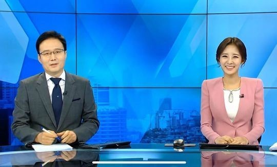 EXO成员灿烈的姐姐朴宥拉(右)