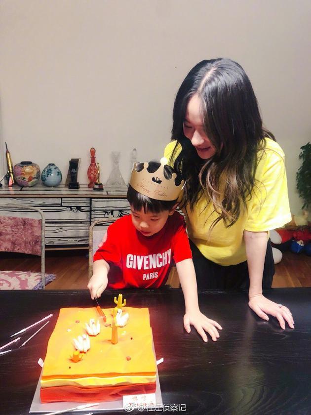 嗯哼大王五岁啦!杜江霍思燕为儿子庆生温馨十足