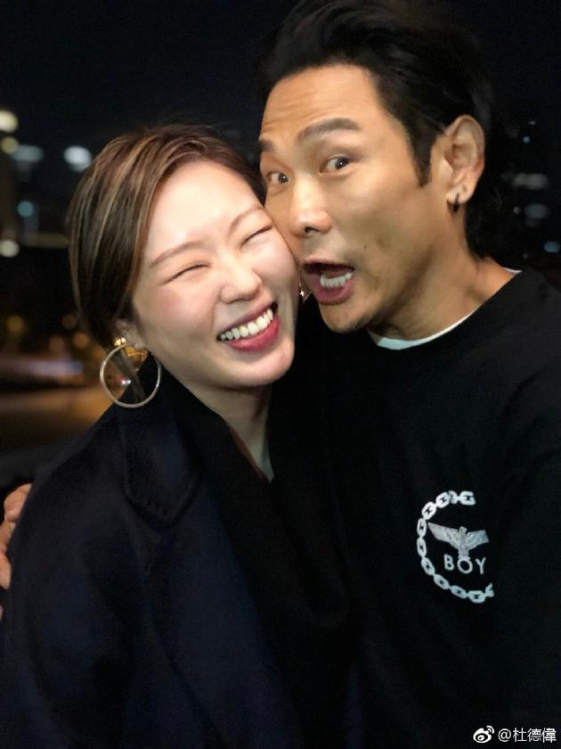 杜德伟和妻子