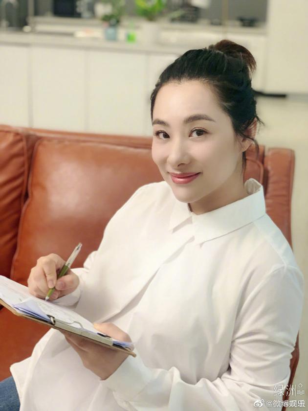 刘璇力挺水果姐:最不应该诟病的就是她的身材