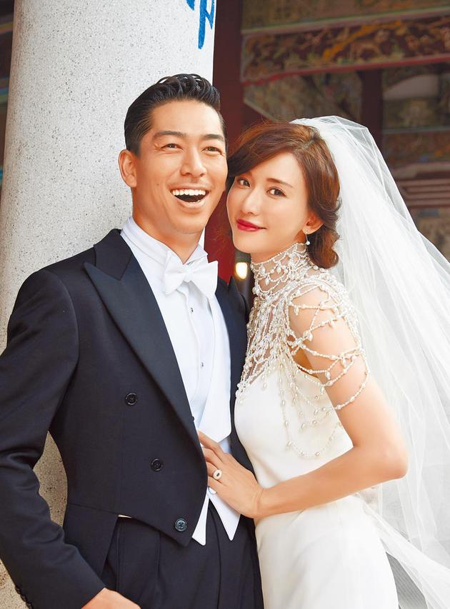 AKIRA刚与林志玲办完婚礼