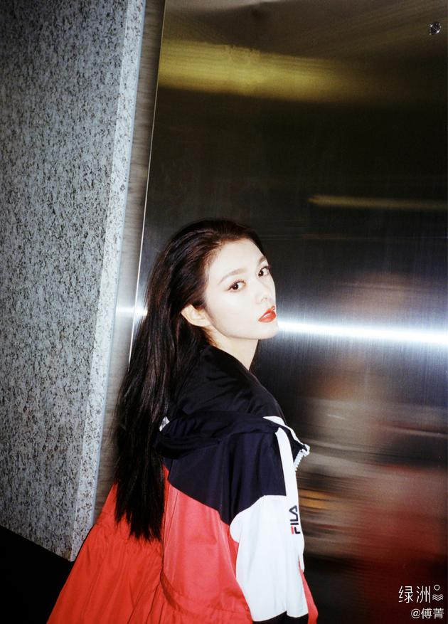 傅菁夸王漫妮真实:爱让她沉溺晕眩也要她爱自己