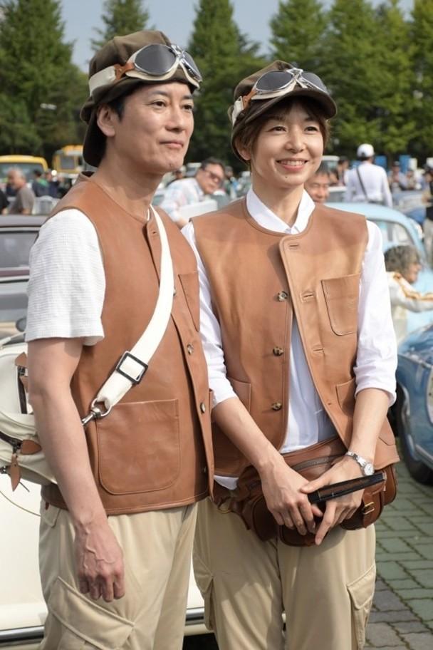 唐泽寿明与山口智子以情侣装亮相