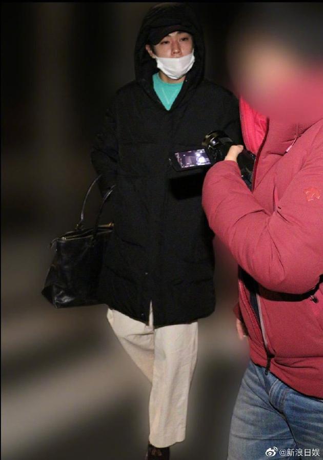 佐藤被拍多次进出女方公寓