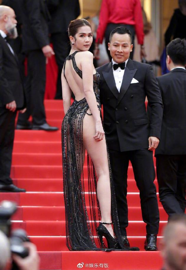 越南女模特陈氏玉贞红毯图