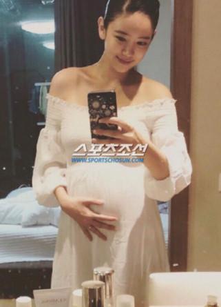 韩女星李泰林9月低调产子 删光IG铁心离开演艺圈