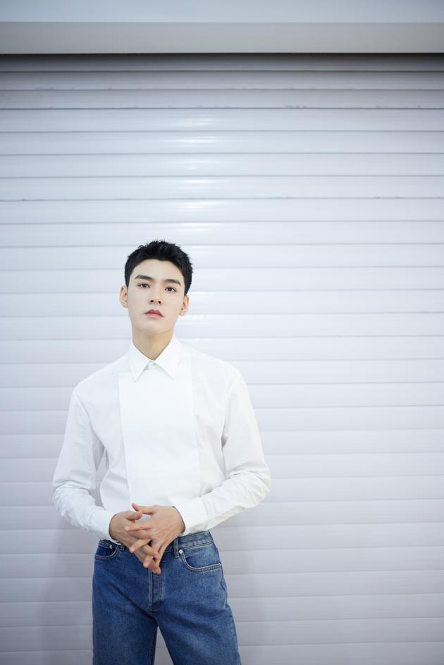 网传龚俊与徐沐婵恋爱 男方工作室辟谣:有锤吗?