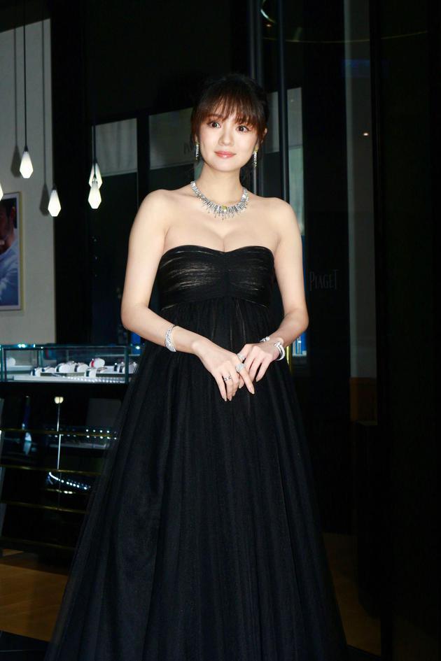 安以轩在台北出席知名品牌珠宝活动。