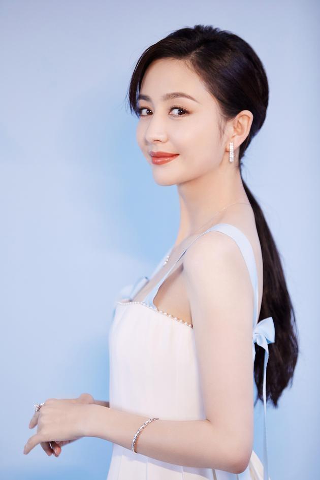 佟丽娅出席大学生电影节