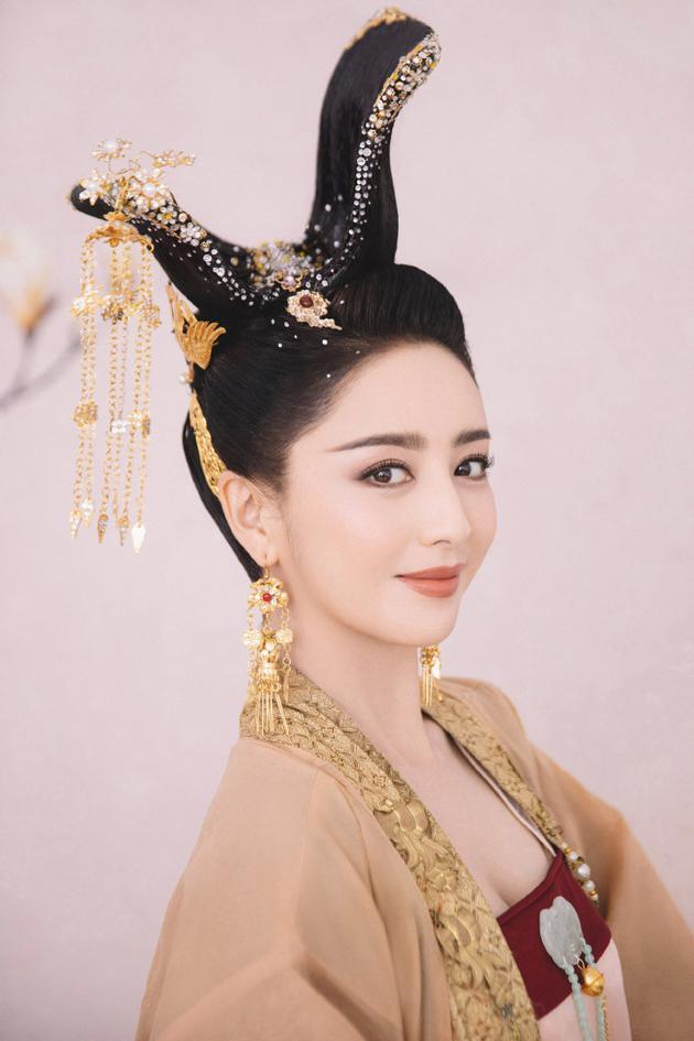 佟丽娅外演《芒栽》