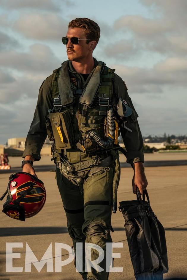《壮志凌云2》发布新剧照 两位新加盟飞行员亮相