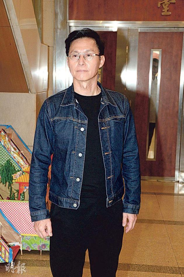 张国强称夏萍一直坚持等干儿子林家栋回香港,当见完林家栋后整个人也释怀了,第二天安详离世。
